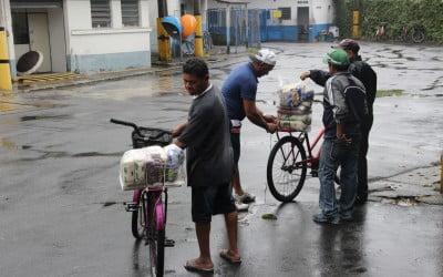 Estado repara danos socioambientais com cesta básica